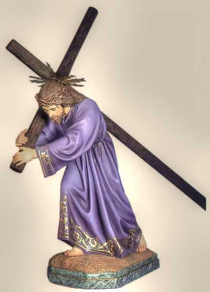Jesus-Carries-a-Cross-Statue