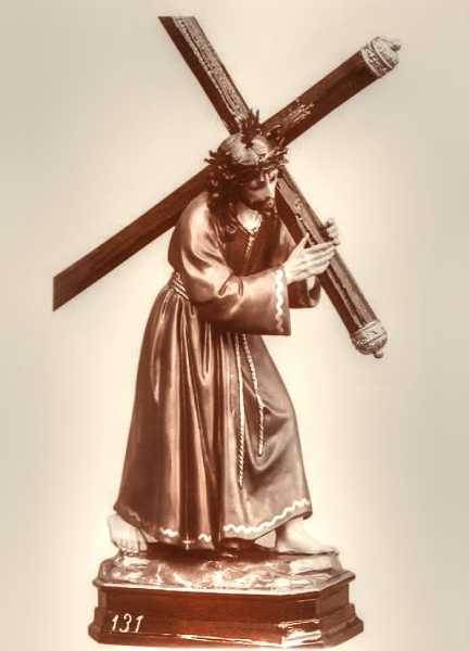 Jesus-of-the-Great-Power-Bearing-a-Cross-Statue