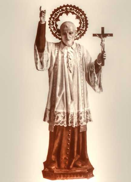 Saint-Vincent-de-Paul-Statue-2
