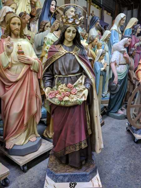 Saint-Elizabeth-of-Hungary-Statue